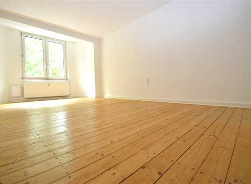 Echte Dielen und Balkon - Einfach eine richtig tolle Wohnung !