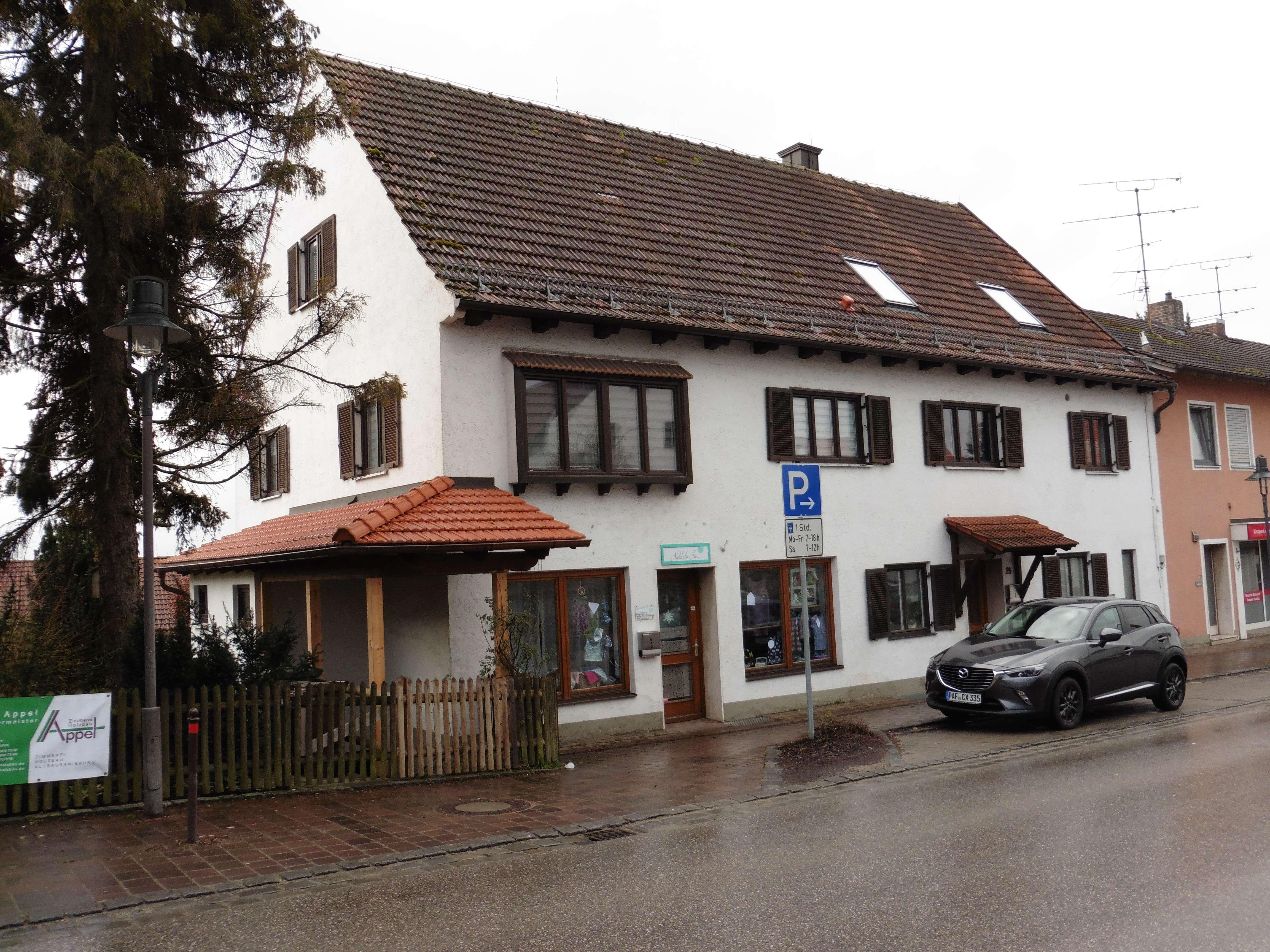 Schöne 2,5-Zimmer-DG-Wohnung mit Balkon in Schweitenkirchen in Schweitenkirchen