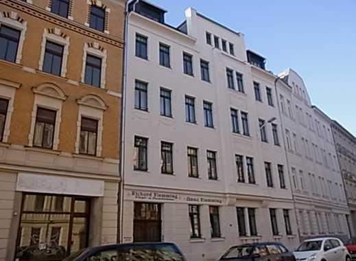 Wie NEU! - 2010 Kernsaniert!, 2-Zi-EG, gr. Balkon, BWF, HWR in Wg., JNKM: 4.200,- Euro
