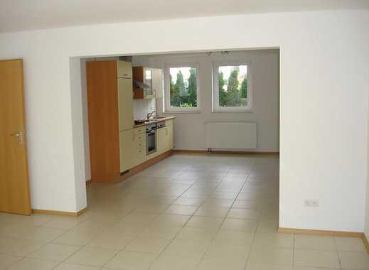 NICE 3-BEDROOM-APARTMENT WITH PATIO AND GARAGE! Großzügige 4 ZKB-Whg. mit Terrasse und Garage!