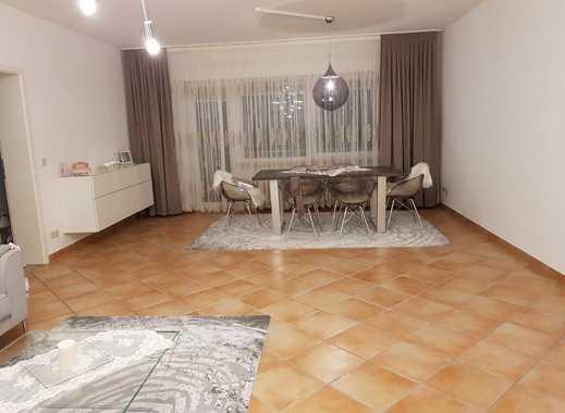 Schöne gepflegte geräumige 2-3 Zimmer Wohnung in Rhein-Neckar-Kreis, Weinheim