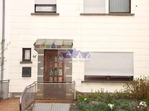 Reihenmittelhaus sucht neuen Besitzer. Haus mit fünf ZKB ...