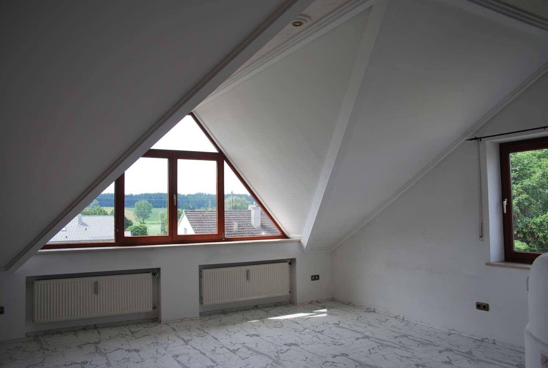 helle schöne 3ZKB-DG Wohnung in Horgau