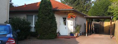 Gepflegte Singlewohnung mit zwei Zimmern, Einbauküche und Terrasse in Minden