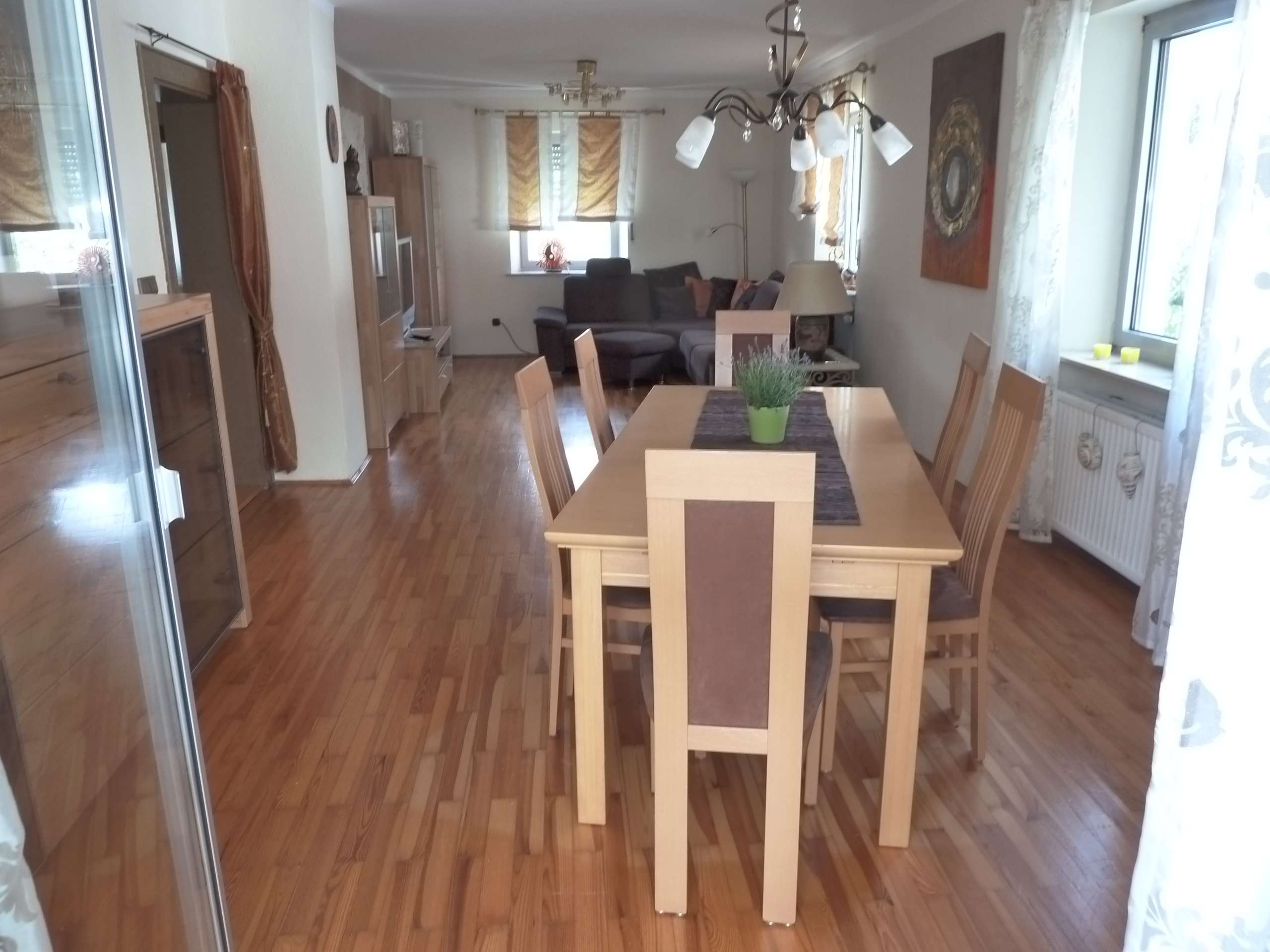 Schöne 4/5-Zimmerwohnung möbliert/unmöbliert, Balkon 21qm und Einbauküche in Nürnberg Ziegelstein in
