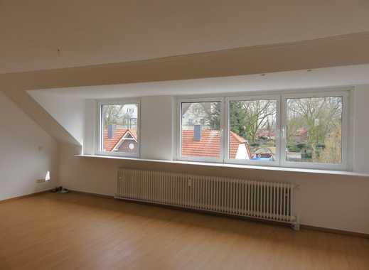 große, helle Dachgeschosswohnung in Oberhausen Sterkrade