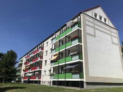 Sonnige, kleine Wohnung mit neuem Balkon und Weitblick