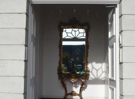 TRAUMHAFT WOHNEN!! 2-Zimmer-Wohnung im Schloss!!