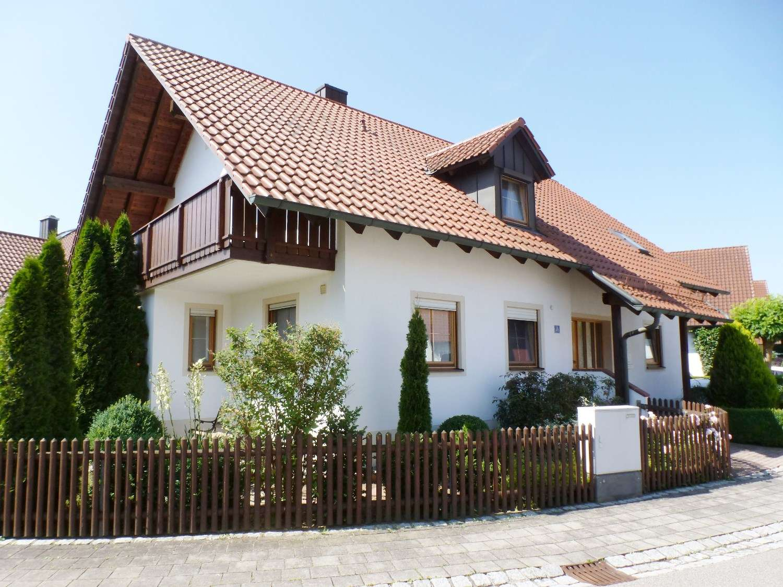 Schwaig bei Münchsmünster 4 Zi. Dachgeschoßwohnung mit 2 Balkone in