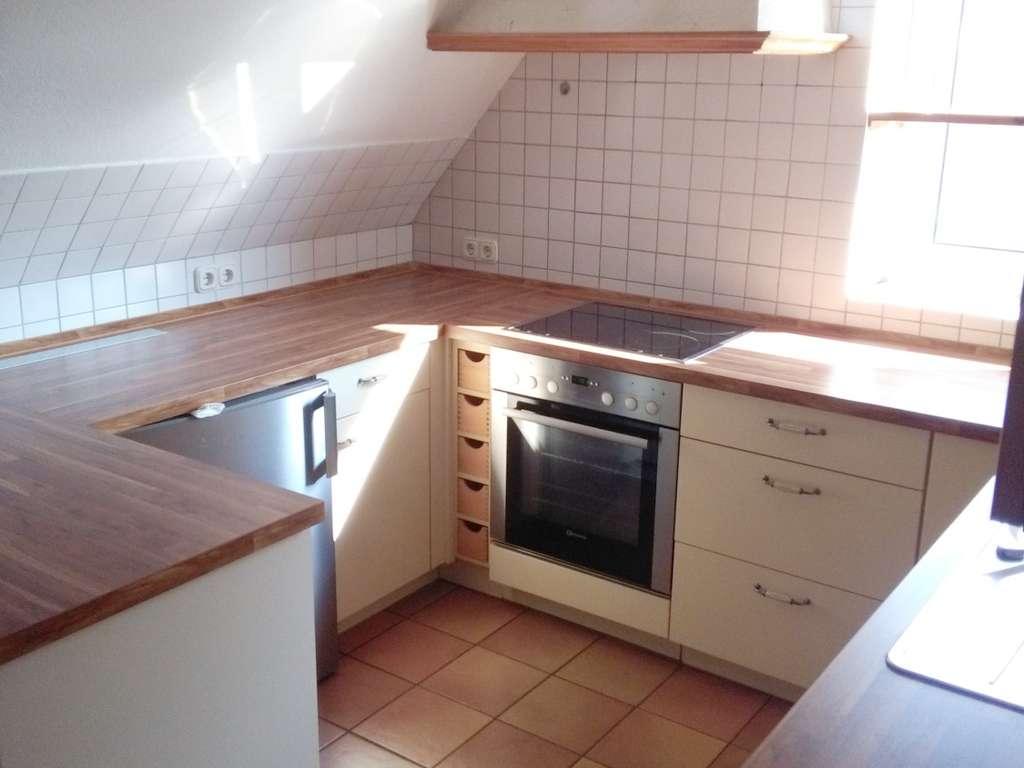hier ein Blick in die Küche