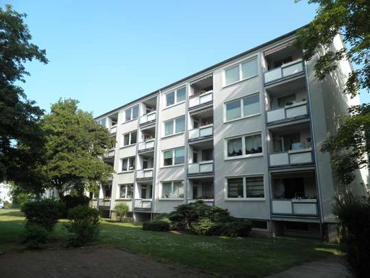 Schöne 2-Zimmer Wohnung mit Balkon in Groß Buchholz, Lenbachstr. 4 