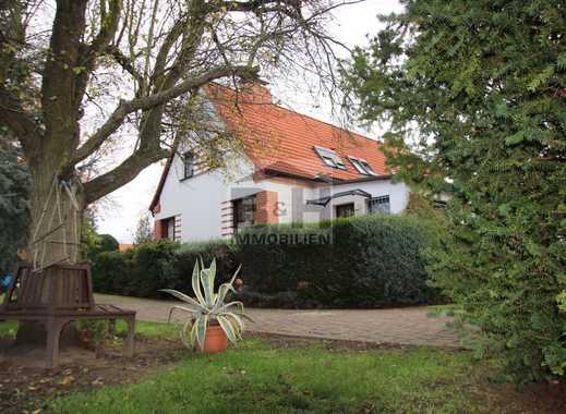 Großzügiges gepflegtes Eigenheim (DHH) in beliebter Wolfener Wohnlage mit 1450 qm GARTEN