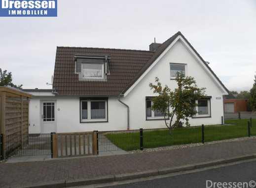 Büsum: Sanierte Doppelhaushälfte mit ca. 96 m² Wohnfläche auf Eigenland- Eckgrundstück