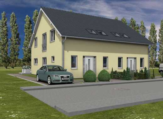 Doppelhaushälfte in Biesdorf mit großem Grundstück.