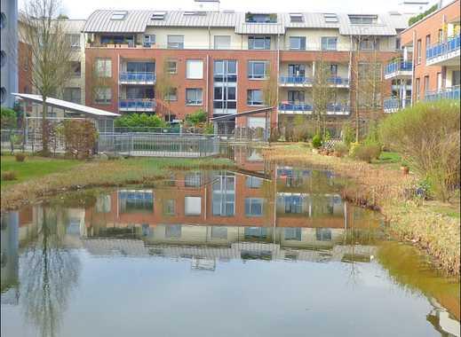 Ratingen-Mitte. Moderne 2-Raum-Wohnung mit Naturholzparkett, Wannenbad und Südbalkon.