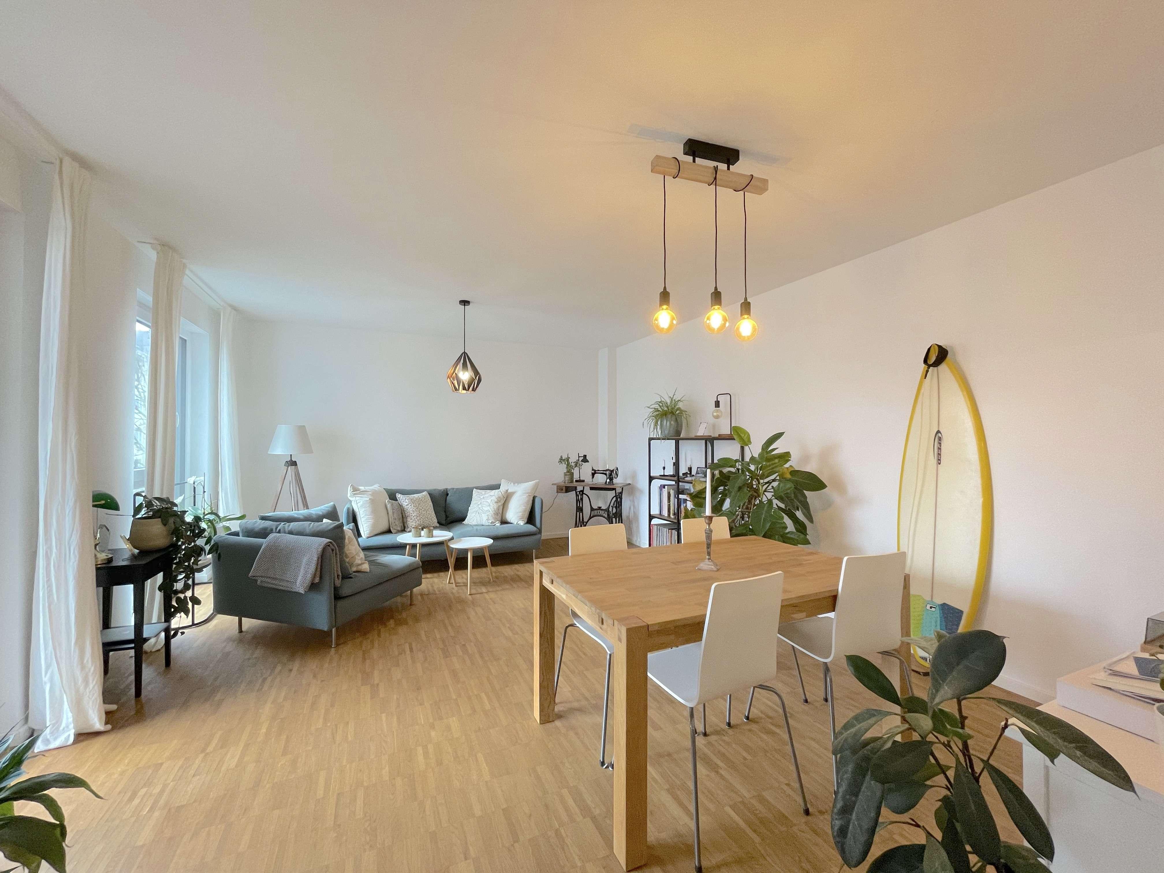 ***Exklusive Wohnung mit Südbalkon, Parkett, Aufzug und Küche*** in
