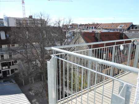 St. Benno-Viertel: Sanierte 2,5-Zimmer-DG-Wohnung mit Balkon und EBK in Maxvorstadt, München in Maxvorstadt (München)