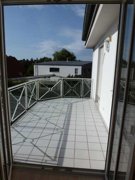ruhige helle 2-Zi Whg gr. Balkon ca. 64 qm EBK TG verkehrsg. A93 B16 in Abensberg