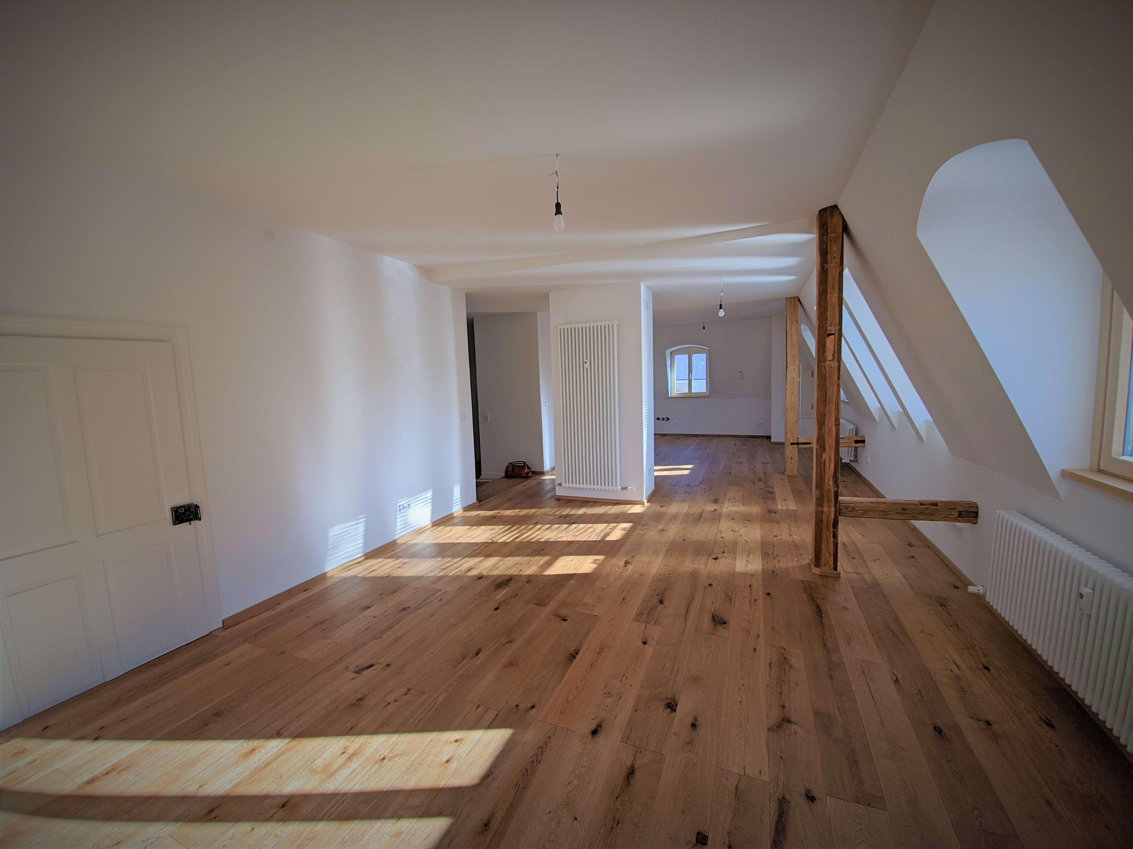 Helle, großzügige 4-Zimmer Wohnung in Kempten (Allgäu), Innenstadt in