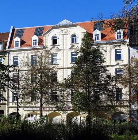 Stilvolle 3-Zimmer-Altbauwohnung mit Balkon in Neuhausen, München in Neuhausen (München)