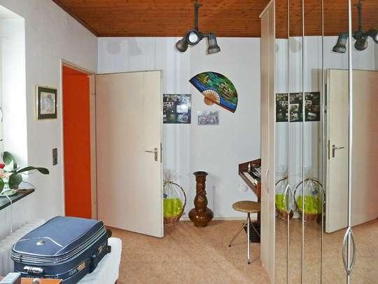 120m² Wohnung inkl. Garten, Terrasse und Garage in einem 2-Familienhaus - Bild 15