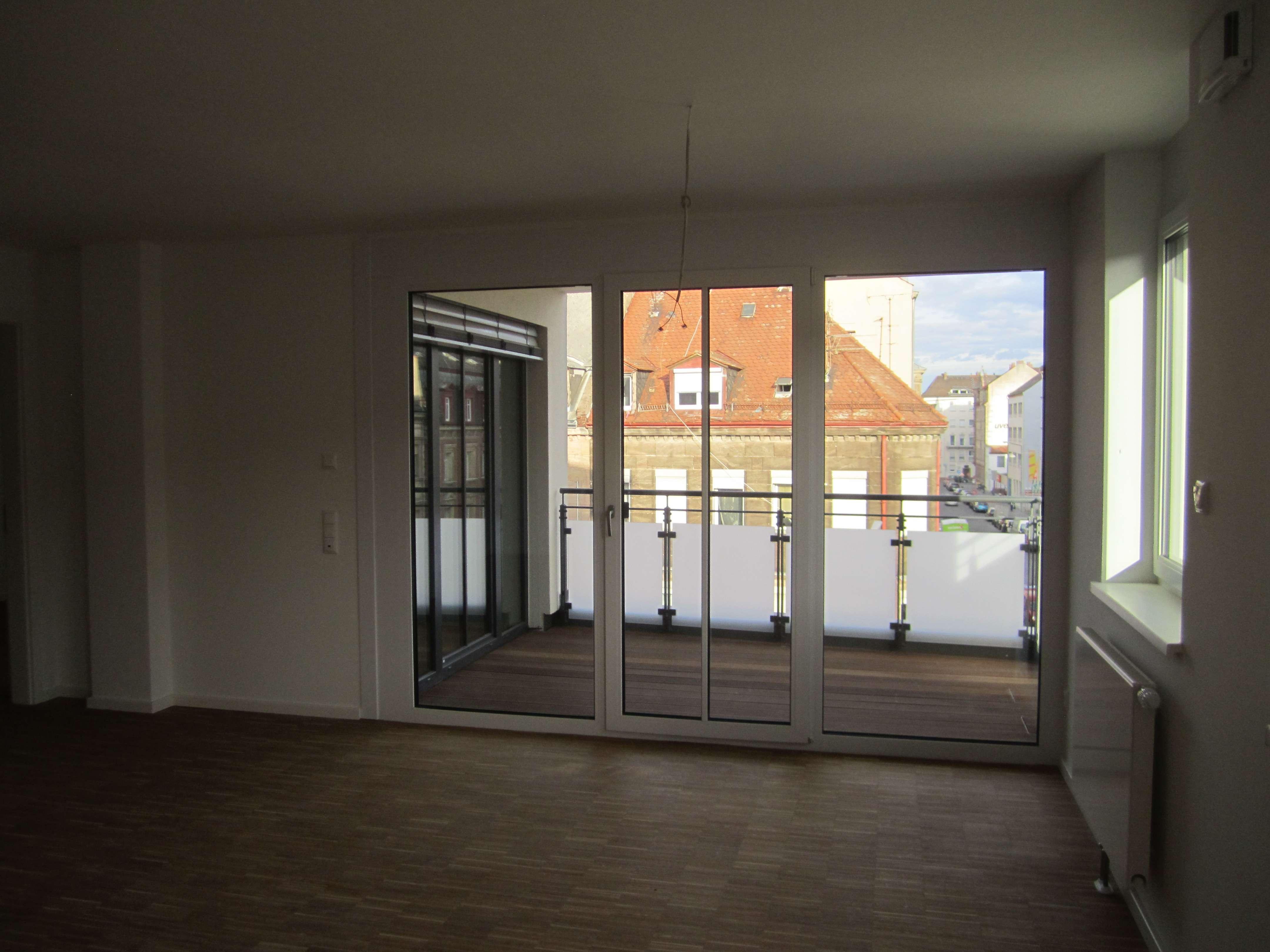 Schöne 2 Zimmer-Wohnung mit Süd-Balkon in Fürth Süd in Südstadt (Fürth)
