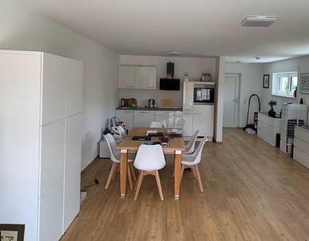Schöne 1-Raum-Loft-Wohnung mit EBK, Terrasse und Tiefgarage in Deggendorf in Deggendorf