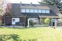 Zweifamilienhaus großes Grundstück