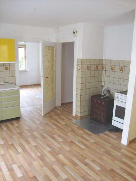 Helle 2-Zimmer-Wohnung | 52 m² | barrierefrei | Renovierungsbedürftig |Neustadt b. Coburg in Neustadt bei Coburg