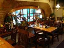 Liebevoll eingerichtetes Eiscafé Café Bistro -