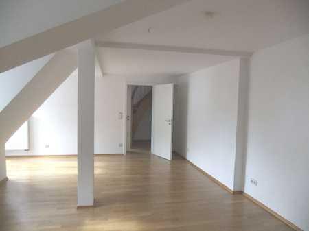 Anfragen per Mail: Atemberaubend: Galerie-Wohnung - direkt an der Donau mit Domblick in Regensburg-Innenstadt