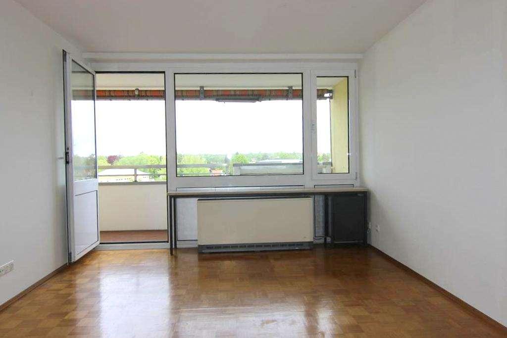 Über den Dächern von Planegg - Großzügige 3-Zimmer-Wohnung mit sonniger Loggia und Blick ins Grüne