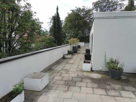 Modernisierte 3-Zimmer-Wohnung mit Balkon und Einbauküche in Obermenzing, München in Obermenzing (München)