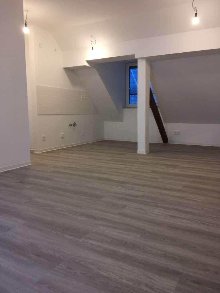 Hereinspaziert in unsere außergewöhnliche 2 Zimmer-Dachgeschoß-Wohnung! in Gartenstadt (Nürnberg)