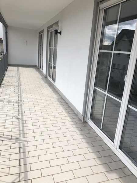 Gepflegte 3-Raum-Wohnung mit großen Balkon in Furth in Furth (Landshut)