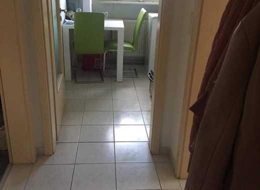 Freundliche 2-Zimmer-DG-Wohnung mit Einbauküche in Willich