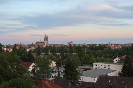 Vollständig renovierte 4-Raum-DG-Wohnung in Regensburg in Steinweg-Pfaffenstein (Regensburg)
