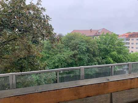Zentral gelegene 3-Zimmerwohnung mit Balkon im Herzen Schwabings in Schwabing (München)