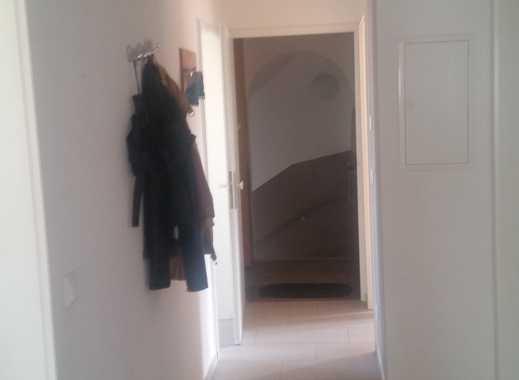 Stilvolle, sanierte 4-Zimmer-Hochparterre-Wohnung mit gehobener Innenausstattung in Haar