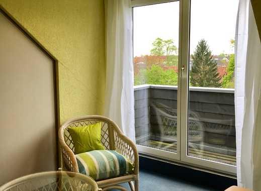 REUTER IMMOBILIEN Modern möbliertes Dachatelier im Jugendstilaltbau in Dellbrück