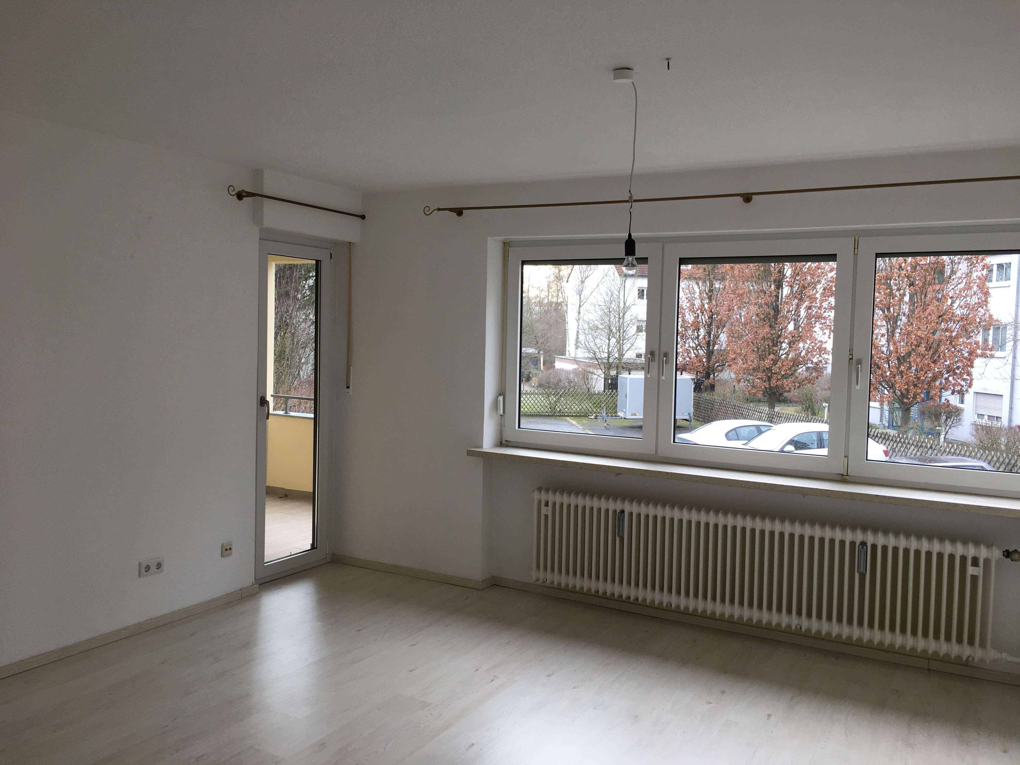 Schöne zwei Zimmer Wohnung in Erlangen, Sieglitzhof in Sieglitzhof (Erlangen)