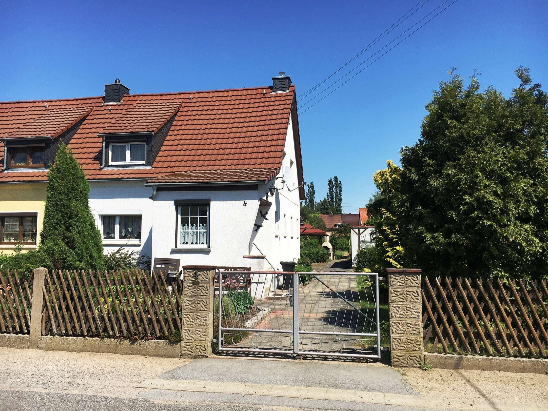kompaktes Eigenheim mit solider Grundsubstanz in gefragter Wohnlage - Haus zum Kauf in Weinböhla