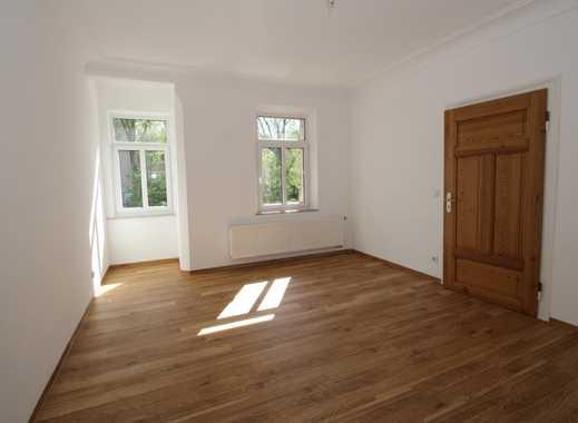 Schön renovierte, helle 3 Zi-Altbau-Wohnung mit Wintergarten in grüner, zentraler Lage