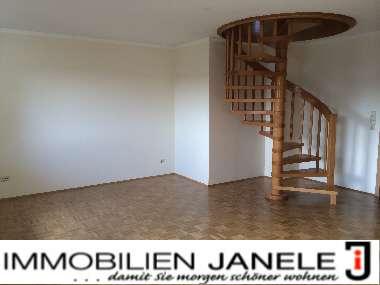Ruhige 4,5 - Zimmer- Galerie- Wohnung mit Garten in der Gemeinde Pentling.