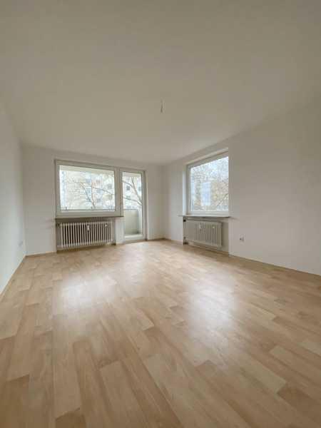 Schöne, sonnige 3,5 Zimmer Wohnung mit Loggia in Nordwest