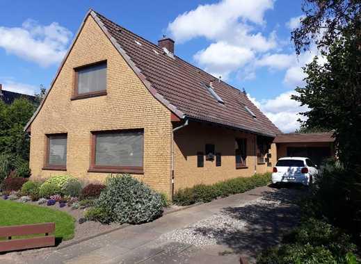 Zweifamilienhaus mit großem Grundstück, 24113 Kiel-Hassee