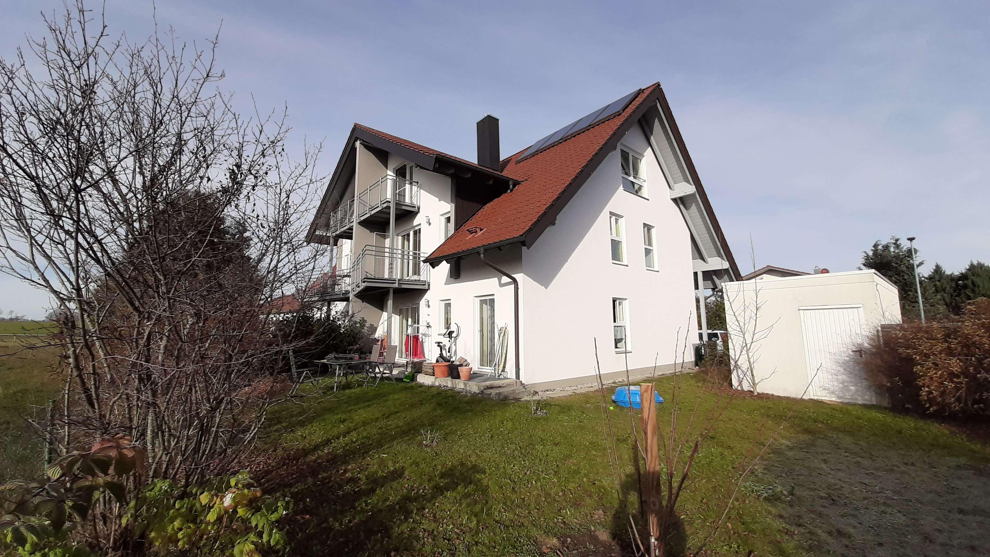Von privat: Attraktive 4-Zimmer Maisonette Wohnung am südlichen Ortsrand von Lengefeld (Pürgen) in