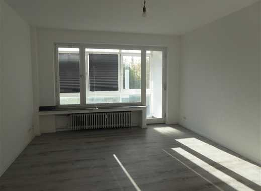 MODERN WOHNEN! Renoviertes Apartment mit Balkon und Wintergarten