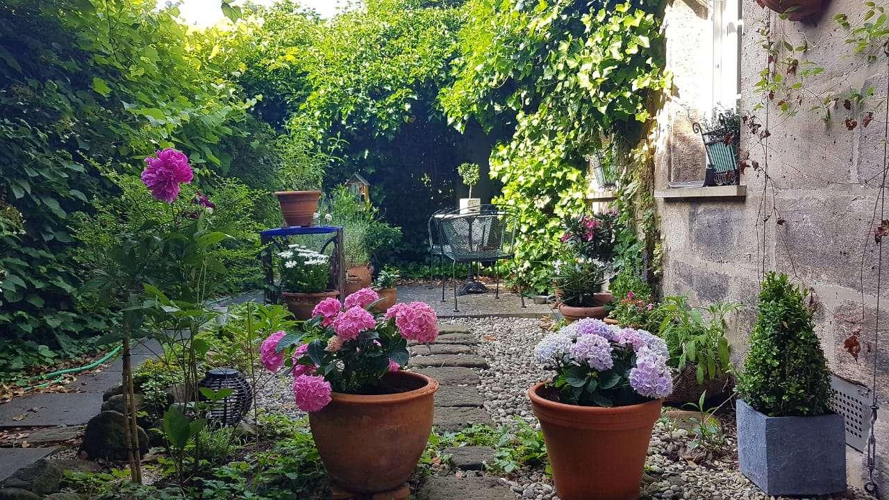 2-Zimmer Wohnung mit eigenem Garten und Einbauküche im Erlanger Zentrum in Erlangen Nord- Burgberg (Erlangen)