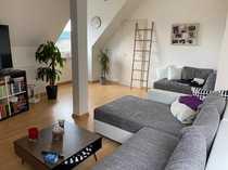 Helle 2-Zimmer Dachgeschoss Wohnung in